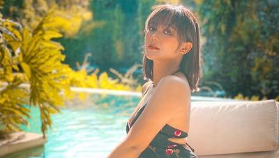 Pakai Baju Pengantin, Marion Jola Bikin Netizen Heboh