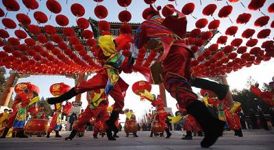 Barongsai Goyang Ramaikan Perayaan Imlek di Petak Sembilan, Bikin Gemas Deh