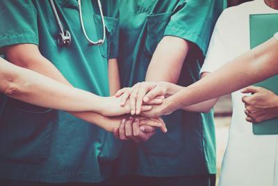 Pasien Virus Korona Makin Banyak, Dokter di Wuhan Terpaksa Pakai Popok Dewasa