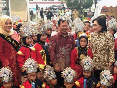 Menkes Terawan Ajak Istri Gubernur dan Bupati Jadi Duta Parenting Berantas Stunting
