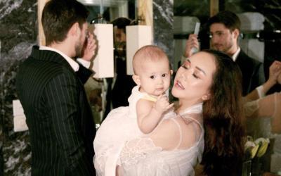 Wajah Bahagia Aura Kasih Gendong Baby Arabella, Gemas Banget