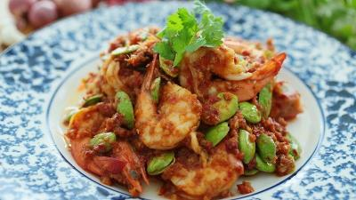Resep Makan Malam Udang Goreng Petai, Sedap Istimewa!