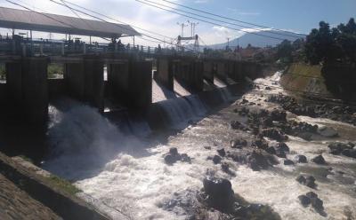 Bendung Katulampa Siaga III, BPBD DKI Imbau Warga Bantaran Kali Waspada Banjir