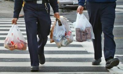 Fakta Kantong Kresek hingga Minuman Manis Kemasan Plastik Dikenakan Cukai Rp30.000 Kg