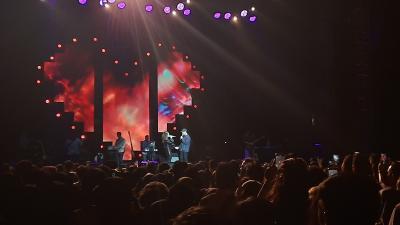 Rossa Tampil Mesra dengan Afgan di Love Fest