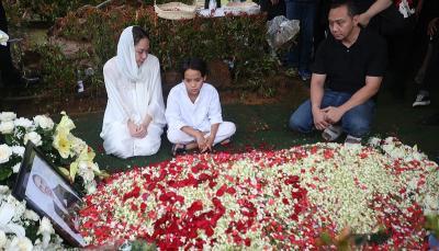 Usaha Keluarga Hibur BCL Pasca Kepergian Ashraf Sinclair