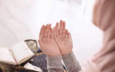 Hindari Rasa Cemas dengan Membaca Doa Ini