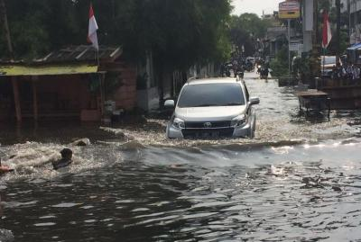 Banjir Jakarta, 35 RW Terendam dan 2.393 Jiwa Mengungsi