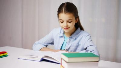 6 Pelajaran yang Bikin Anak Sulit Fokus Belajar