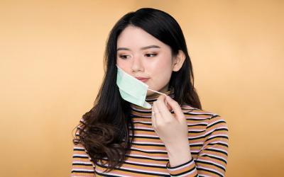 9 Tips Makeup Anti-Luntur Saat Pakai Masker Kesehatan
