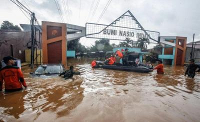 Perumahan Bumi Nasio Indah Bekasi Banjir, Warga Pilih Bertahan Ketimbang Dievakuasi