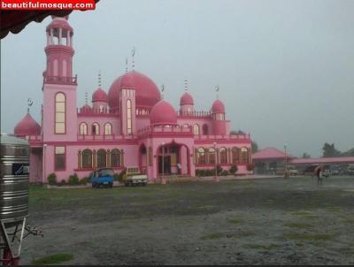Mengintip Keindahan Masjid Dimaoukum, Melambangkan Cinta dan Kedamaian