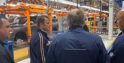 Dua Karyawan Pabrik FCA Meninggal Dunia karena COVID-19