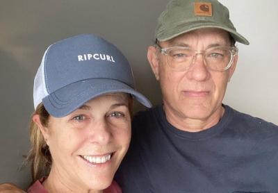 Kembali ke Amerika Serikat, Tom Hanks dan Rita Wilson Jalani Karantina Sendiri