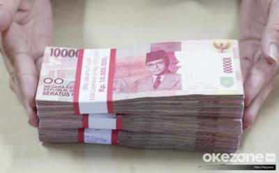 Rupiah Kembali Melemah ke Rp16.272 USD di Awal Pekan