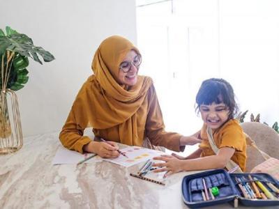 Tampil Cantik di Rumah, Yuk Intip 3 Gaya Hijab Ala Artis Ini