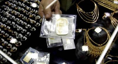 Harga Emas Antam Turun Rp13.000 Dibanderol Rp911.000 Gram