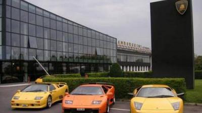 Lawan COVID-19, Lamborghini Bikin 1.000 Masker dan 200 Kaca Medis
