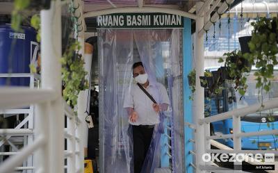 Cegah COVID-19, Jangan Sentuh Benda saat Naik Transjakarta
