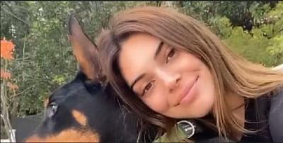 Bosan di Rumah, Kendall Jenner Terciduk Tiru Warna Rambut Kylie