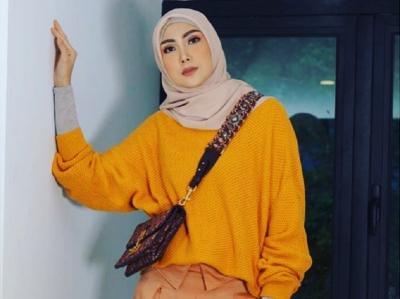 Sontek 5 Gaya Hijab Fenita Arie untuk Lebaran, Penampilan Ukhti Terasa Istimewa