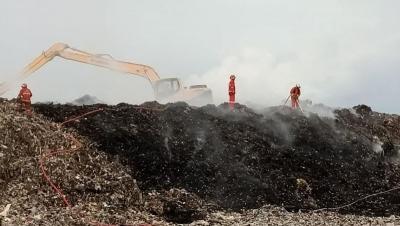 Gara-Gara Puntung Rokok, TPA Rawa Kucing Tangerang Terbakar