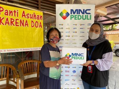 MNC Peduli dan PT Produser Pangan Asia Salurkan Makanan untuk Panti Asuhan
