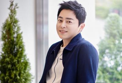 Rahasia Sukses Jo Jung Suk Perankan Lee Ik Jun di Hospital Playlist
