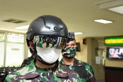 Helmet Thermal KC Wearable TNI AD Dapat Deteksi Suhu Tubuh dari Jarak Jauh