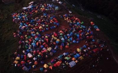 Viral Bukit Alas Bandawasa Bogor Dipadati Wisatawan, Camat: Sudah Dibubarkan