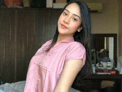 Potret Anya Geraldine Kenakan Baju Tidur yang Jadi Perbincangan Netizen