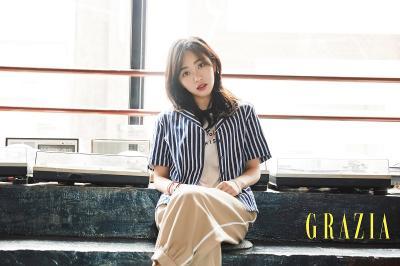Kwon Mina Buat Fans Khawatir setelah Unggah Foto Ini