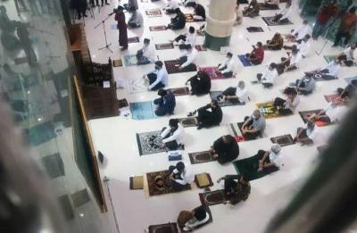 MUI Beri 2 Pilihan bagi Jamaah yang Tak Kebagian Saf Sholat Jumat