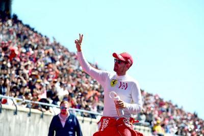 Wolff Tak Duga Vettel Bakal Tinggalkan Ferrari