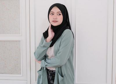 Tips Make Up Cepat Buat Hijabers ala Sari Endah Pratiwi