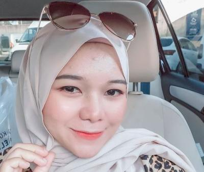 5 Style Dress Bumil ala Youtuber Isti Al-Qadri yang Fashionable