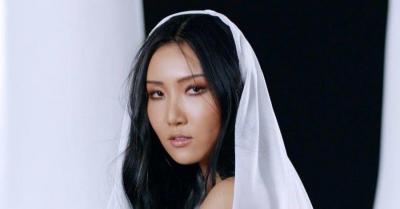 Album Solo Perdana Hwasa Rajai Chart iTunes