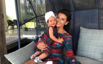 Farah Quinn Heboh Bikin Kue Sambil Gendong Anak, Hasilnya This Is It