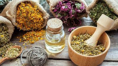 Amankah Mencampur Aneka Herbal Secara Bersamaan?