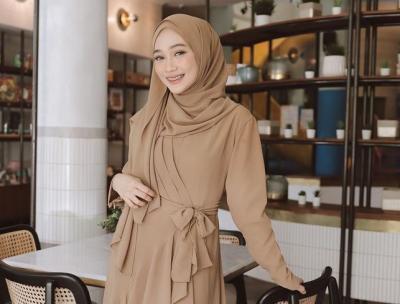 3 Inspirasi Busana Hijab Sleepwear Style ala Selebgram Sinta Sri Antan