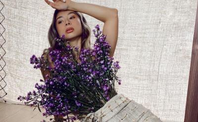 Gaya Menggoda Jennifer Bachdim, Netizen: Pakai Baju Enggak Ya?