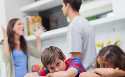 Orangtua yang Bercerai Sering Bikin Anak-Anak Kehilangan Kontak dengan Ayahnya