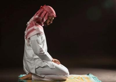 Ciri-Ciri Muslimin yang Ibadahnya Benar karena Allah Ta'ala