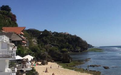 Mengenal Pantai Bingin Bali, Hidden Beach di Tepi Tebing yang Menawan