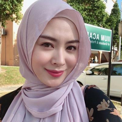Ayana Moon Curhat Pernah Dilarang Belajar Bahasa Arab
