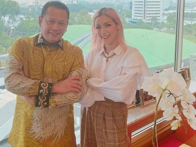 Jessica Iskandar Tampil Sopan Bertemu Bambang Soesatyo, Rambutnya Mengalihkan Dunia