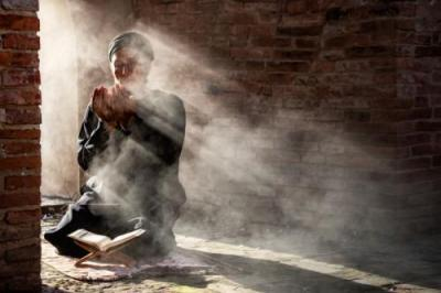 Perbanyak Sholawat Nabi di Hari Jumat, Fadhilahnya Dahsyat
