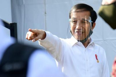 Kunjungan Kerja, Jokowi Pakai Masker Tanpa Face Shield