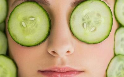 4 Manfaat Masker Mentimun, Nomor 1 Mengurangi Jerawat