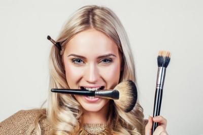 Lagi Belajar Makeup Flawless, Coba Pakai Concealer Saja